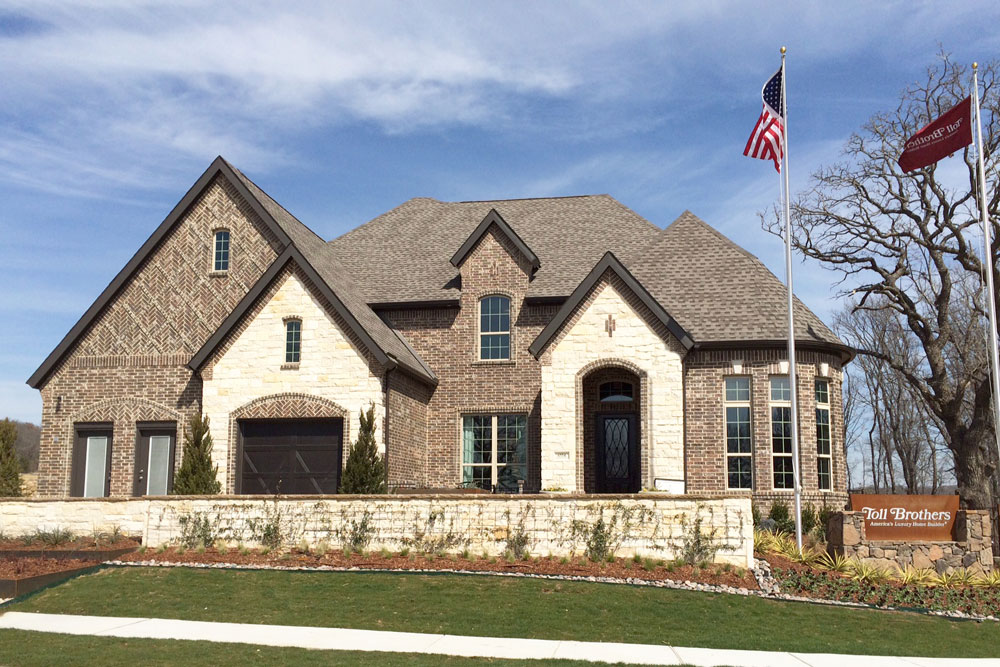 Toll Brothers Model Home in Canyon Falls