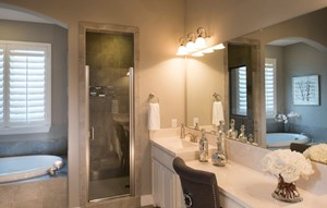 Highland Homes Model Owner's bath in Canyon Falls