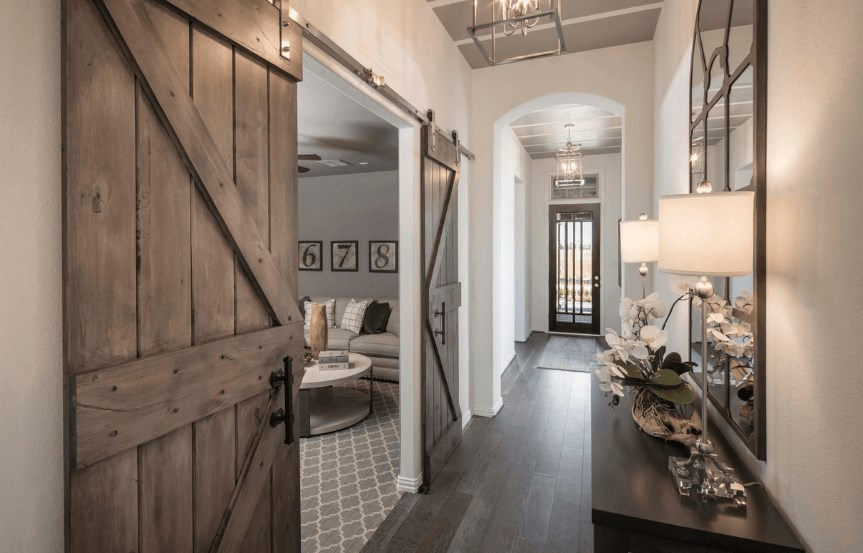 Highland Homes Plan 200 Entry way in Canyon Falls