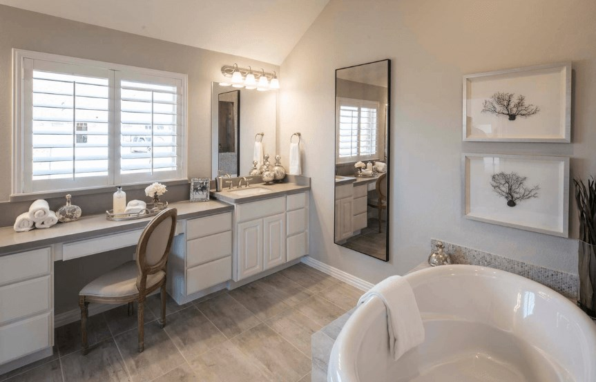Highland Homes Plan 200 Master Bath in Canyon Falls