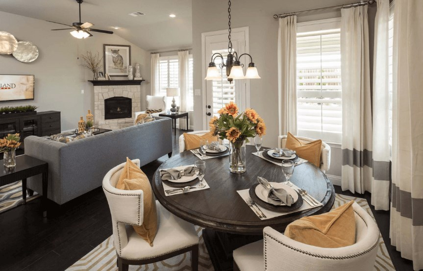 Highland Homes Plan 204 Breakfast Area in Canyon Falls