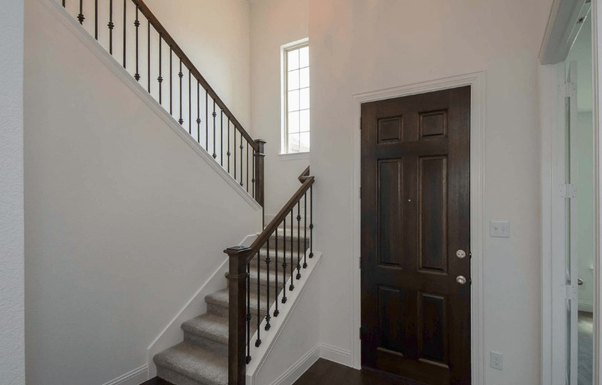 Highland Homes Plan 206 Entry Way in Canyon Falls