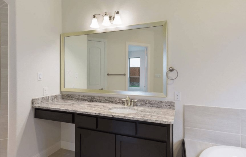 Coventry Homes Plan 2153 C Master Bath in Canyon Falls