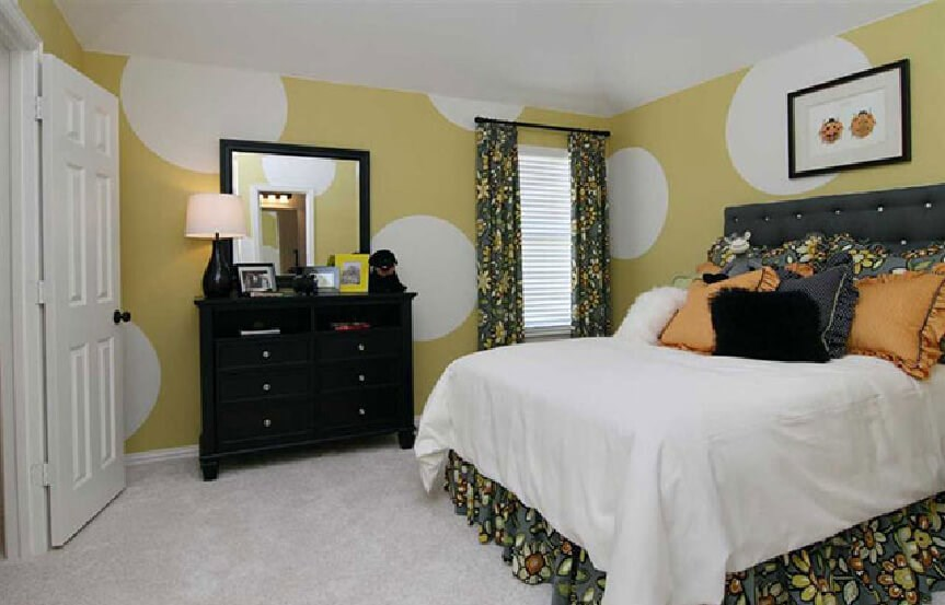Highland Homes Plan 926 Bedroom 1 in Canyon Falls